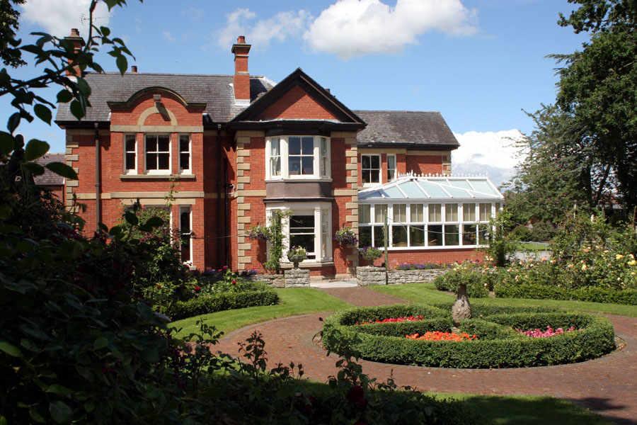 Hillcrest Manor Nursing Home Home Review