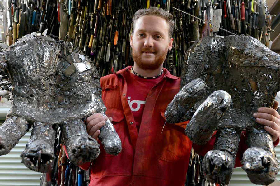 Trafalgar Square Call To Boris Over Shropshire Knife Sculpture - Artist makes angel sculpture from more than 100000 confiscated weapons