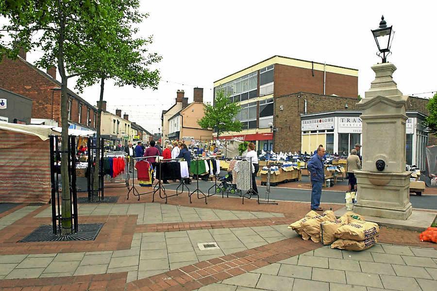 Telford Mp David Wright Presents Dawley Street Market Petition In